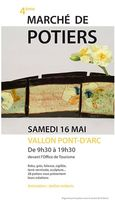 Marché potier à Vallon Pont d'Arc (Ardèche), le samedi 16 mai 2015