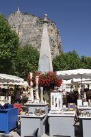 Marché potier de Castellane le jeudi 13 août 2015 - Alpes de Haute Provence, poterie, céramique, bijoux, sculptures...