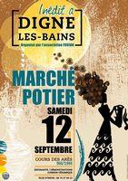 Marché potier de Digne les Bains (Alpes de Haute Provence le samedi 12 septembre 2015, céramique et poterie, arts de la table, objets de décoration, bijoux, sculpture