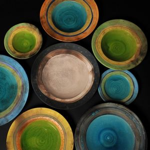 Assiettes et plats couleur