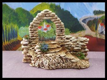 Le porche et mur en pierres