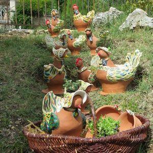 poules au jardin l 39 atelier du mille pattes fabricant jarre et poterie de jardin prides. Black Bedroom Furniture Sets. Home Design Ideas