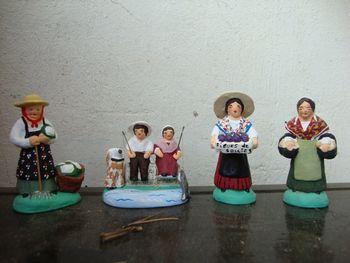 femme aux figues, enfants à la pêche, santons 6 cm